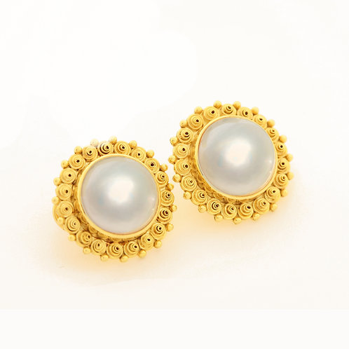 Gemmy Mabe Pearl Earrings in 18k Gold.