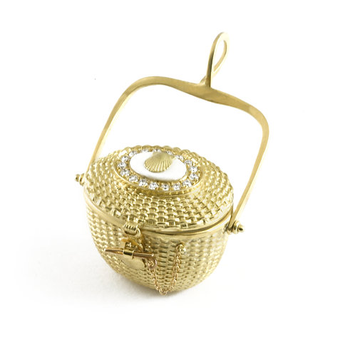 Wanackmamack with Diamonds Large lidded oval basket pendant