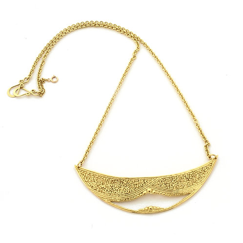 Cheshire Smile Necklace in 18k Gold.