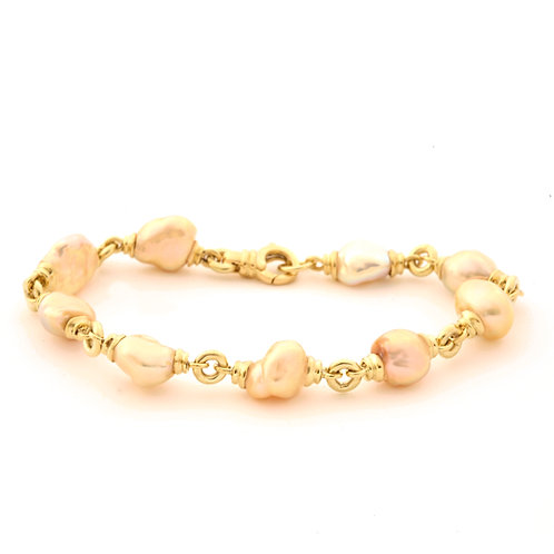 Freshwater Pearl Bracelet in 18k Gold.