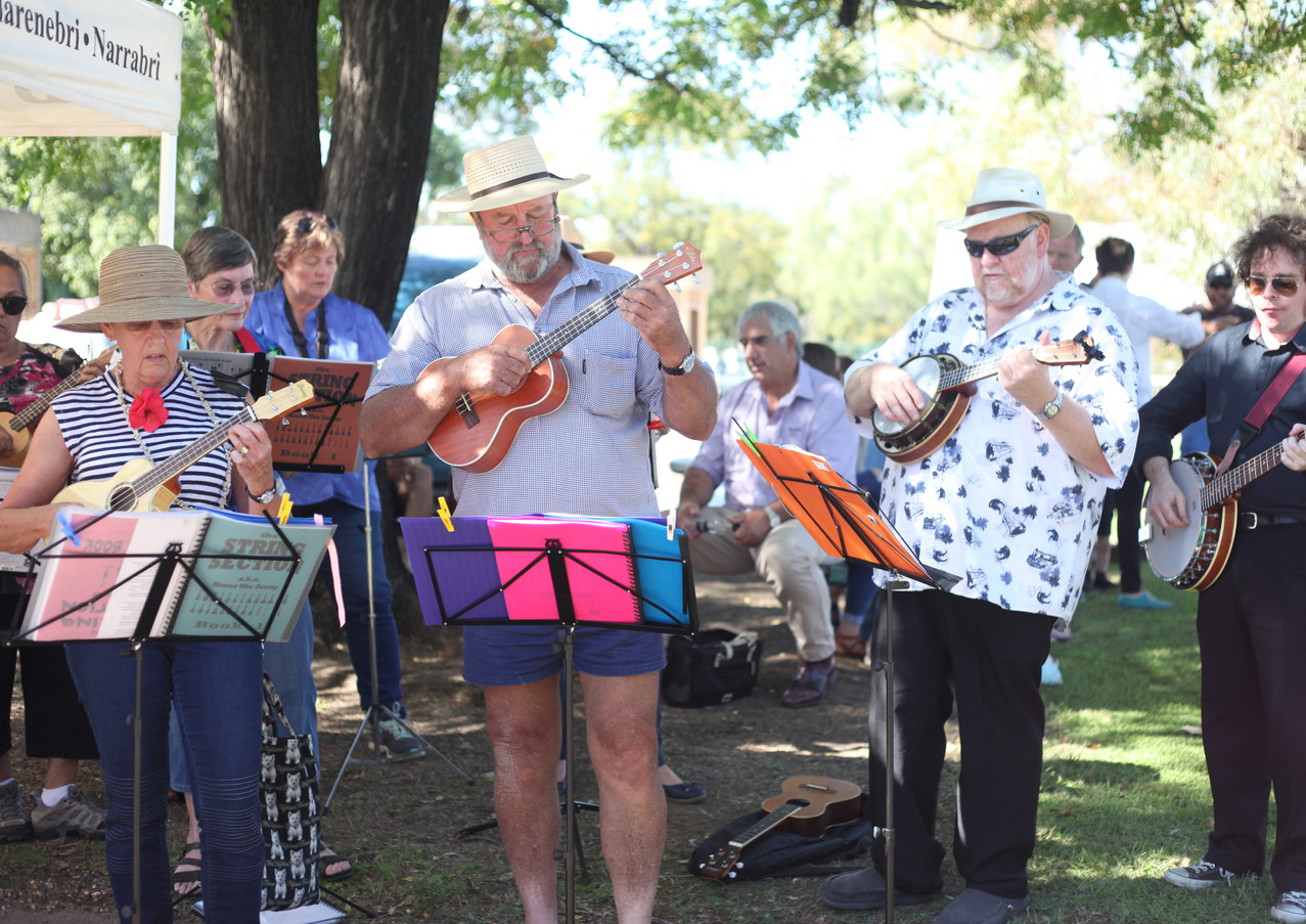 Moree Ukelele Group
