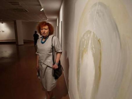 La pintura de Consuelo Vallina abraza la poesía de Aurelio González Ovies