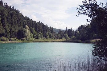 vista romantica del lago Santo di Monte Terlago