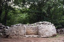 Cortile con fontana della Villa di Ciano Bassetti