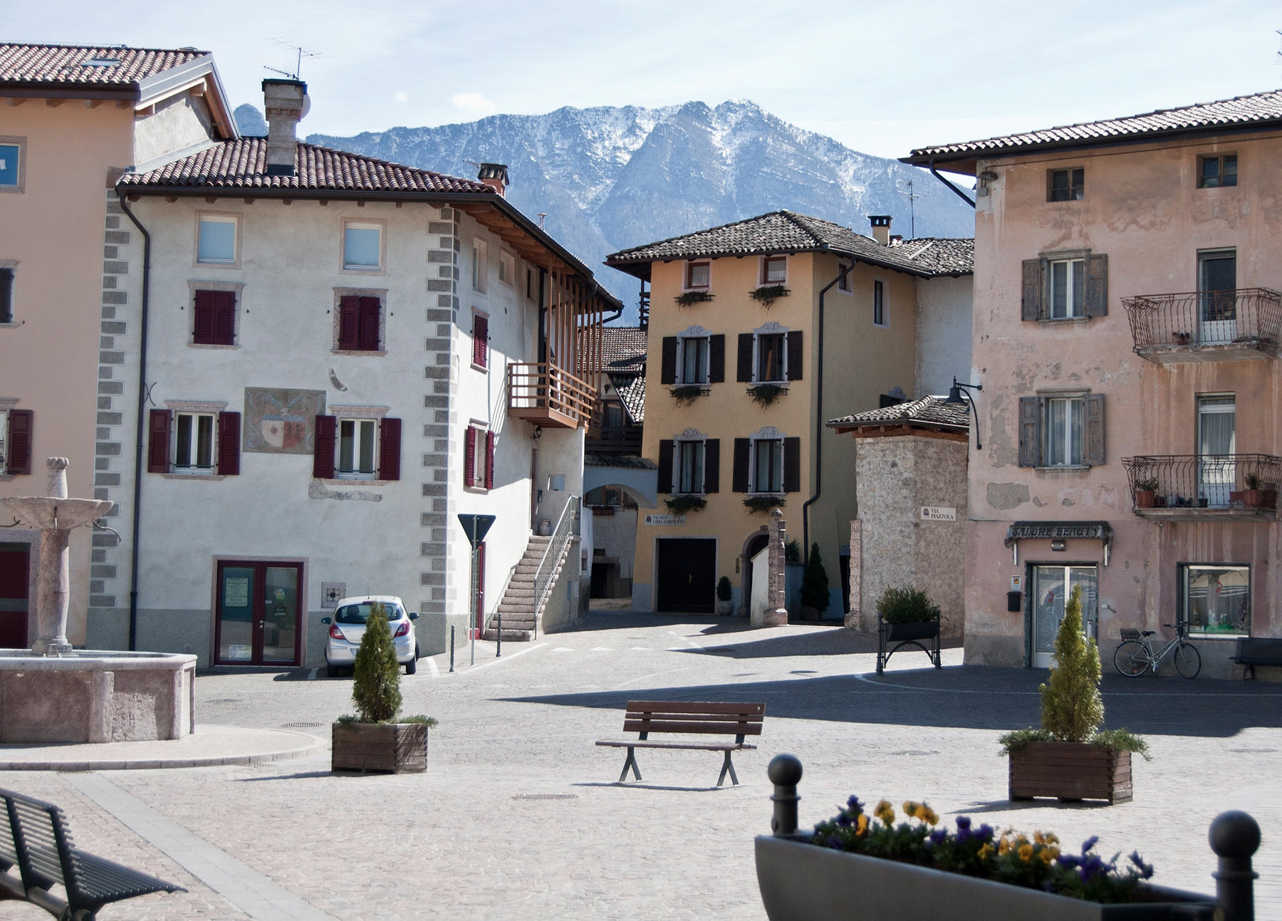 Piazza di Cavedine