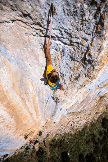 Iker Madoz Climbing