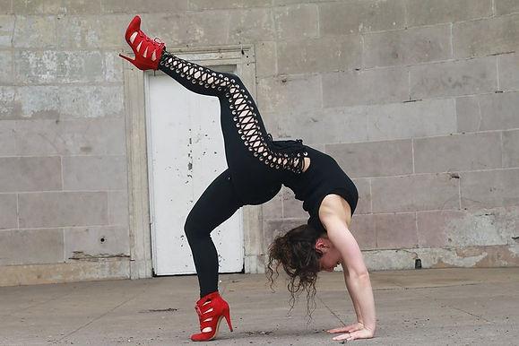 Alison Kate, Yoga, Yoga Teacher, Private Yoga, urdhva dandasana, Wheel Pose, Meditation, Yogi, Manifest, Sexy, Sass, Feminine, Holistic Health, Health Coach, Lifestyle Coach, Transformation Coach, New York City, NYC, Alison Yoga