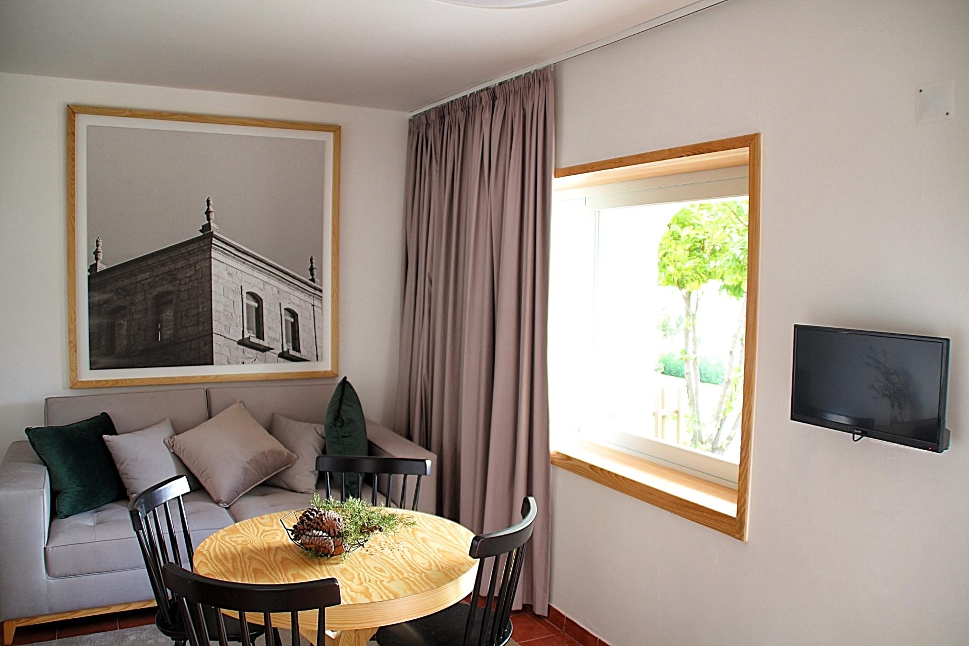 Turismo Rural sala com vista campo