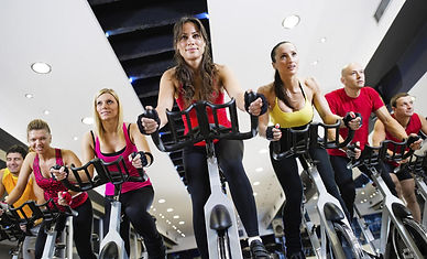 aula-de-spinning-academia-physical-shape