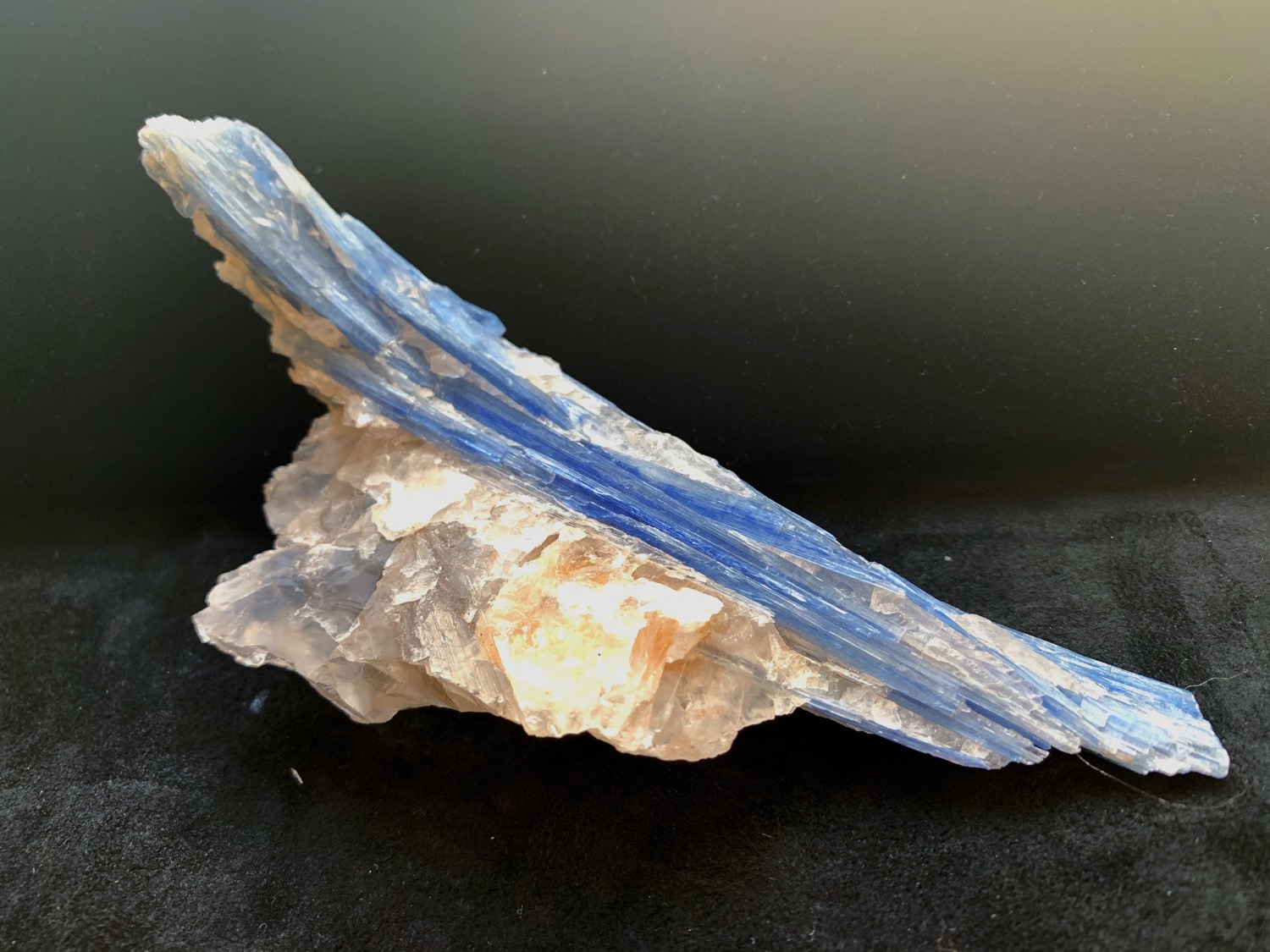 Kyanite on Quartz