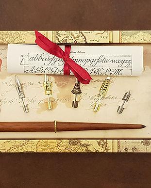 set-regalo-calligrafia-portapennino-legn