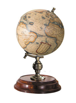 Piccolo globo terrestre da tavolo