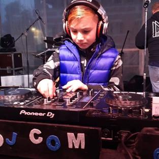 DJ Com