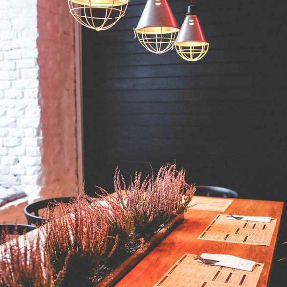 wood-restaurant-flowers-lamps.jpg