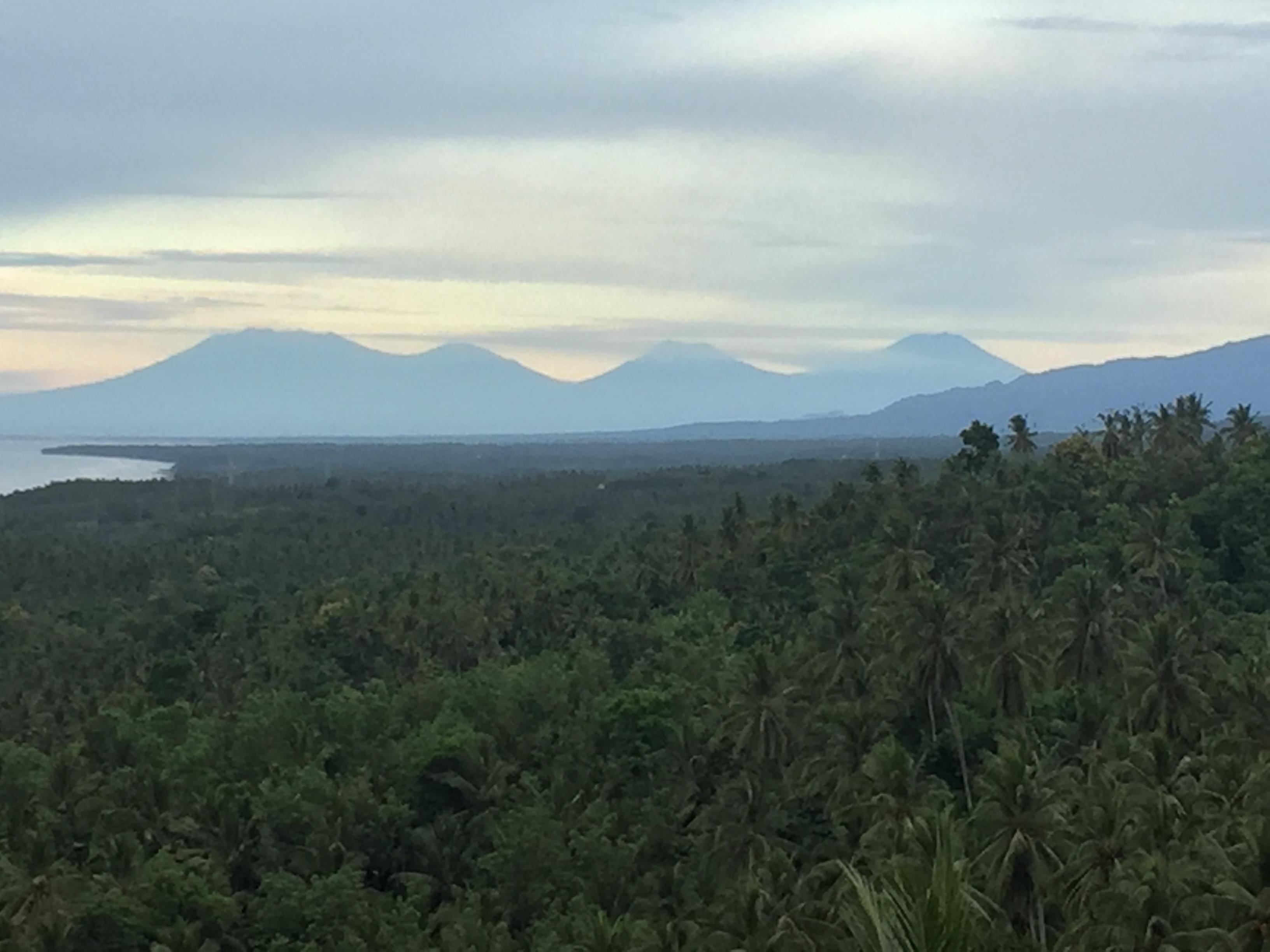 Blick auf die 4 Vulkane Javas