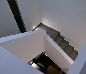 Escaleras a tercer nivel