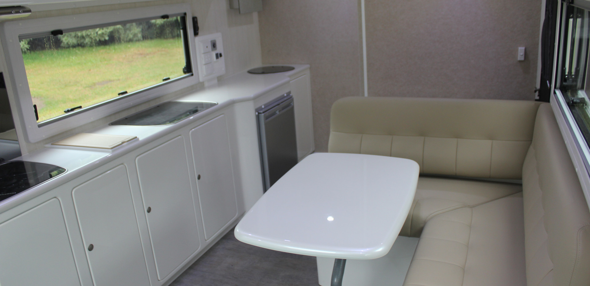 Karavané Dinette Combined Toilet/Shower