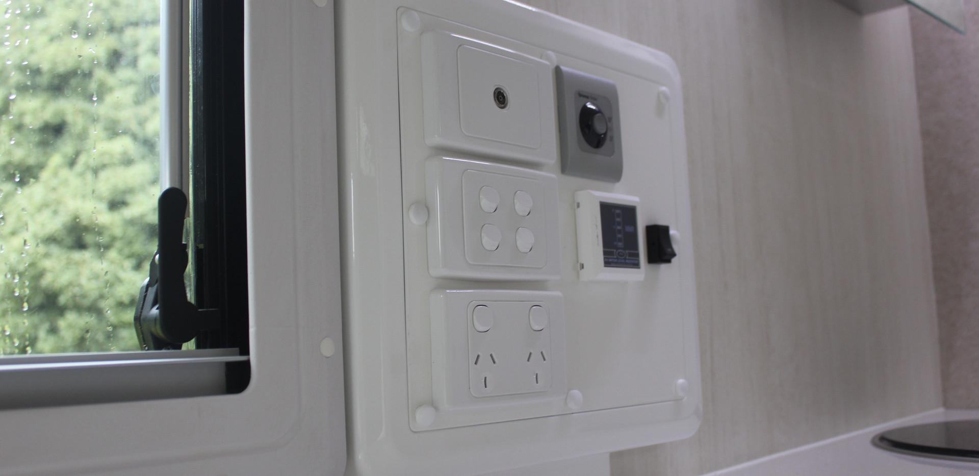 Karavané Switch Panel