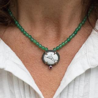 Green Aventurine Carbilly Locket Necklace