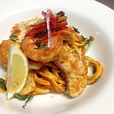 Seafood fettuccine (garlic and chilli)