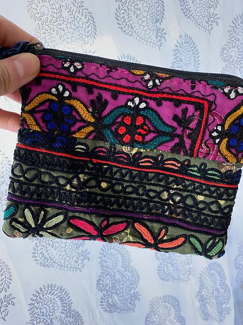ミニ刺繍ポーチ(紫&グリーン)