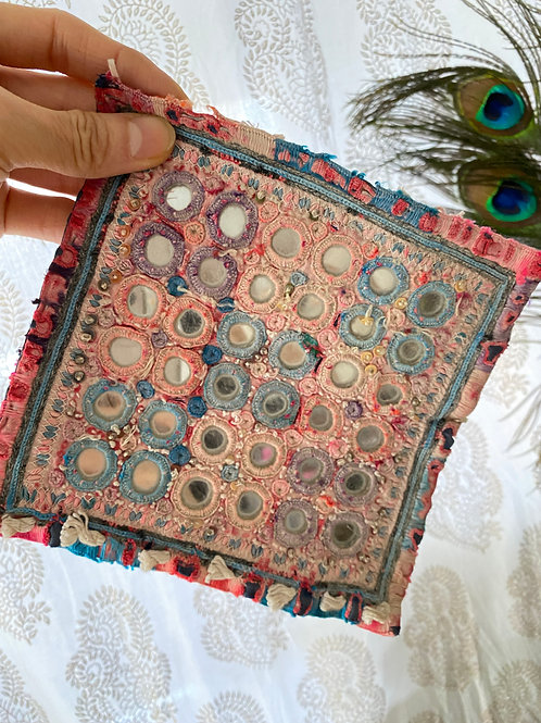 ミラーワーク刺繍コースター(A)