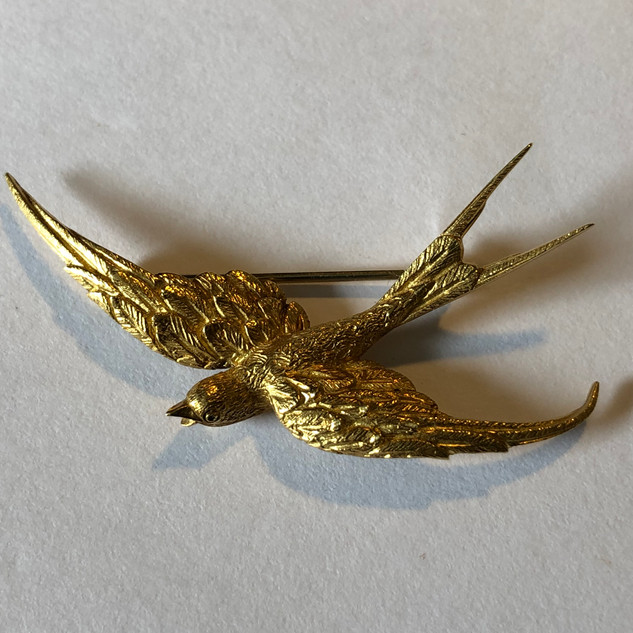 18 kt gold Swallow-Tail Brooch