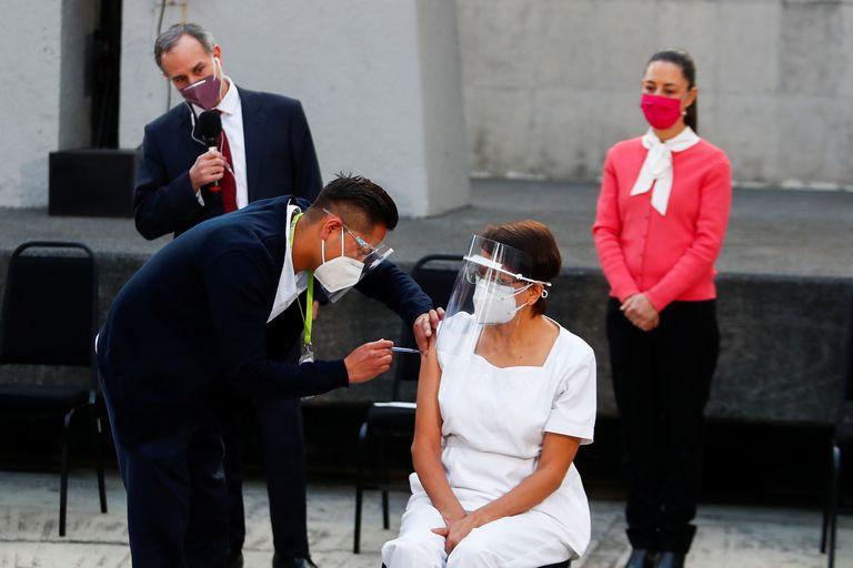 En Mexico ya comenzo la vacunacion de personas, desde el día 24 de diciembre de 2020