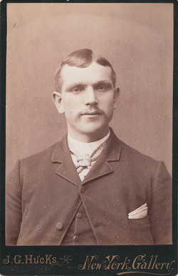Ossie Age 33~1908