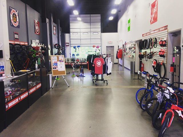 What a view! The #ddascproshop is awesome! Come and find what you want here! #ddasc #bmx #scooters #