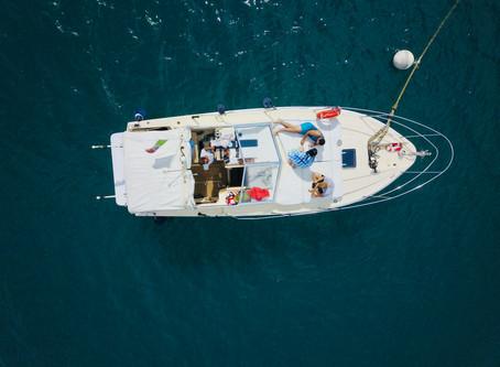 Coronavirus, le vacanze in barca per evitare spiagge affollate e diminuire il rischio di contagio.