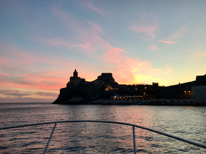CINQUE TERRE BY BOAT EXPERIENCE