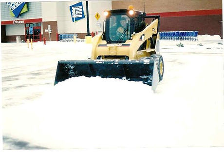 Snow plowing maple grove minnesota, Snow removal service driveway and parking lot maple grove minnesota