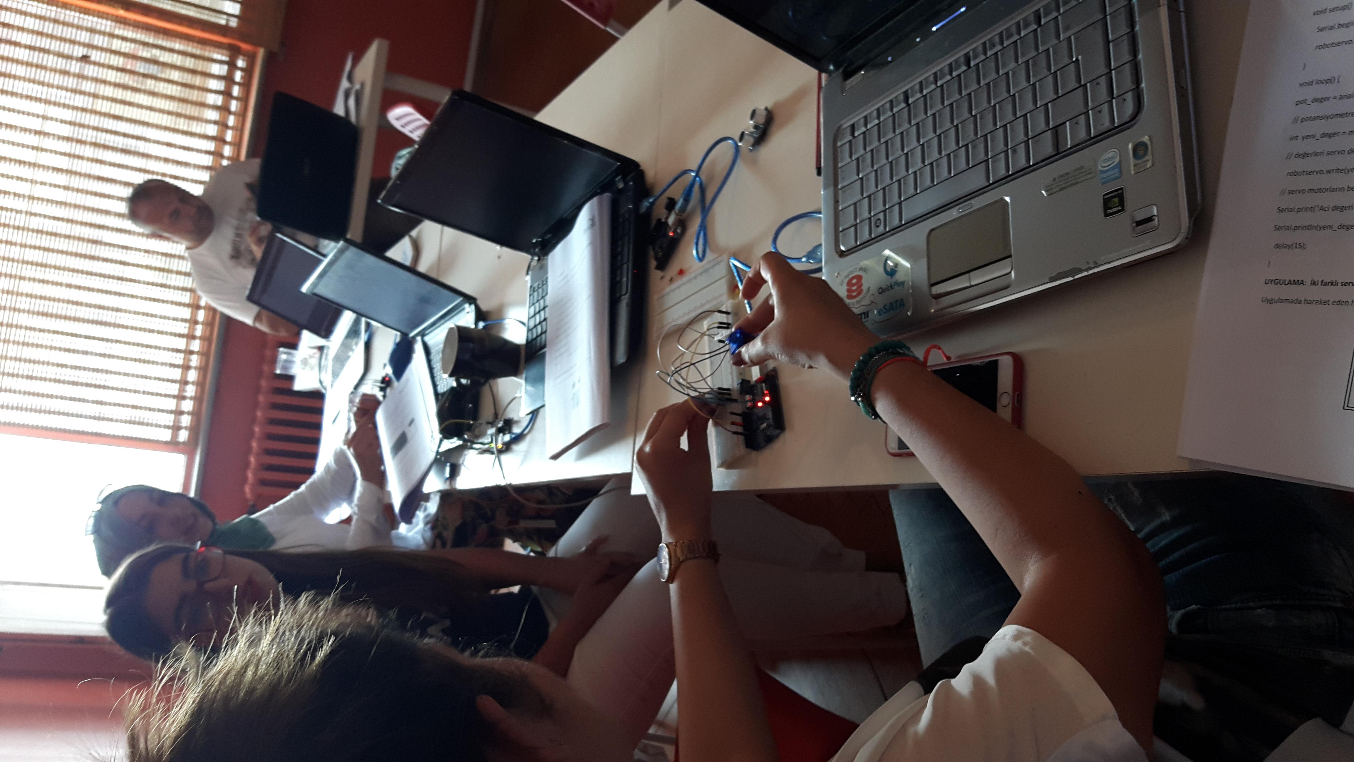 robotik eğitim akademisi 33