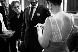 Robe avec dos V en dentelle pour un mariage civil en couleur, robe créée par Anne-Laure Neves