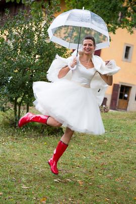 Robe de mariée courte style années 50 créée par Anne-Laure Neves