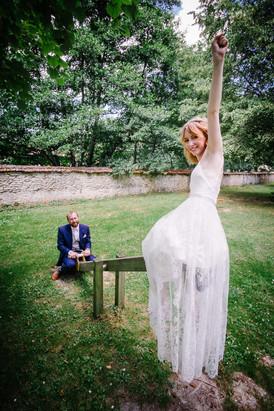 Robe de mariée sur mesure, création à Bordeaux, dentelle de Calais