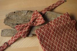 Noeud papillon et mouchoir de poche pour le marié et pour les invités, réalisé par Anne-Laure Neves