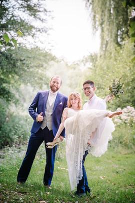 Robe de mariée longue en dentelle. Créatrice Anne-Laure Neves
