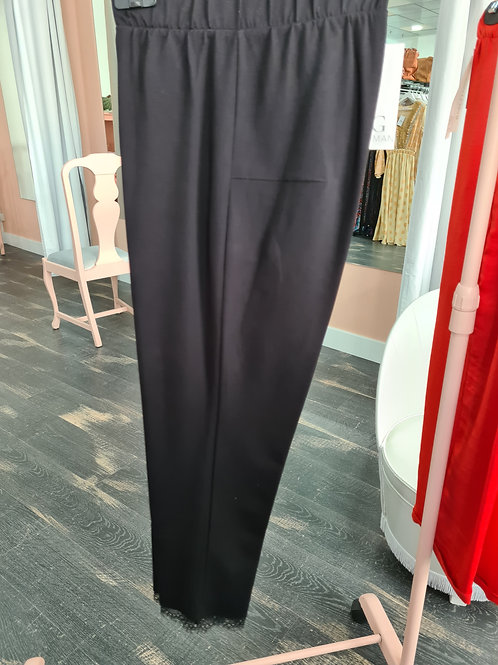 Pantalón negro puntilla a bajo talla grande