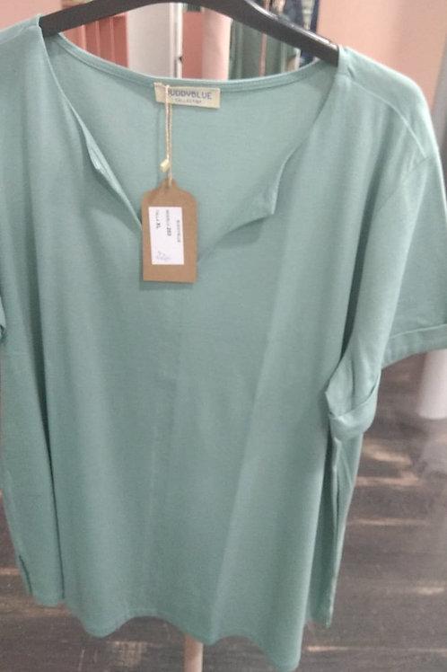 Camiseta verde pico manga corta