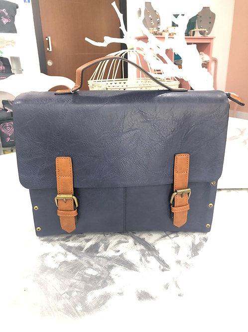 Bolso mochila azul y madera