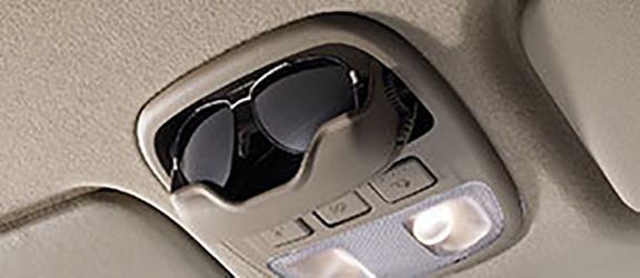 Luces de interior y soporte para anteojos