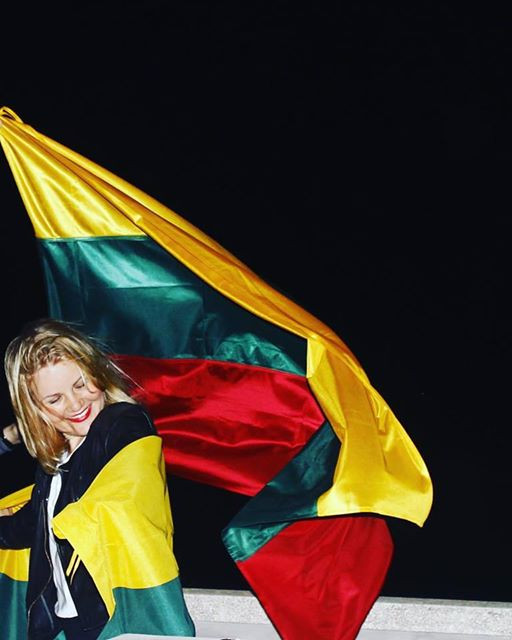 dovana Lietuvai. // myliu tave, Lietuva!