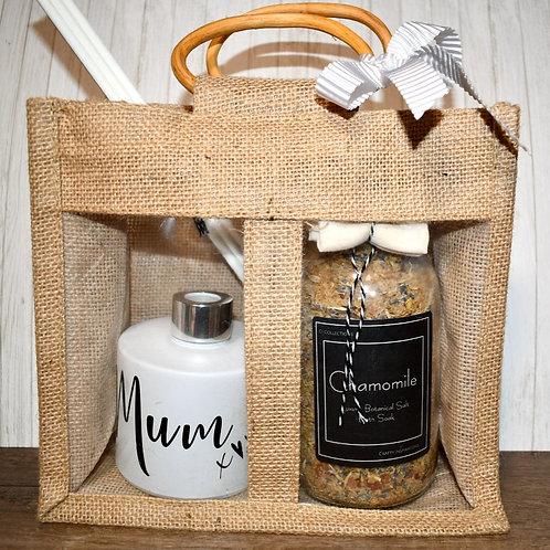 Matt White Botanical Bath & Diffuser Mum Gift Bag