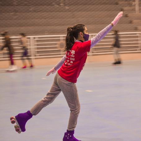 Frio e patins  numa quarta estelar:  Oficina de Patinação