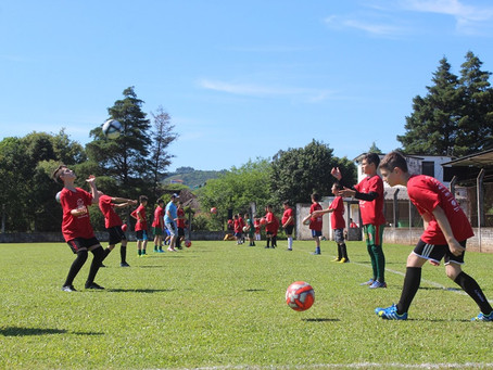 Futebol: uma equipe coesa no bairro Baixada