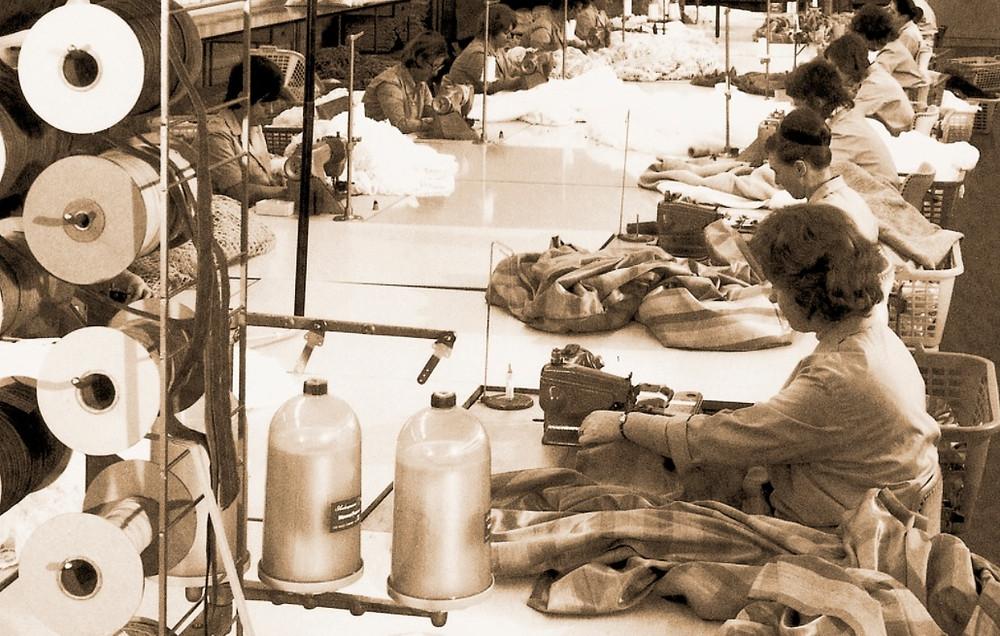 Werksters in de fabriek van JAB - Jaren 60