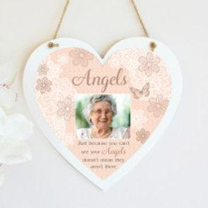 Angels Hanging Heart  - Photo