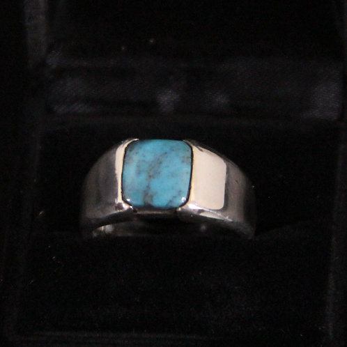 Turquoise Cabochon set in Sterling Silver Ring